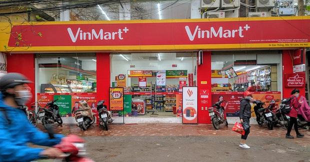 Dân tình xôn xao vì siêu thị Vinmart+ đổi tên thành Winmart+, lại mở cả kiosk Phúc Long kế bên - Ảnh 2.