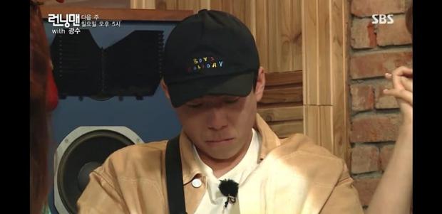 Ngày này cũng tới: Lee Kwang Soo không cầm được nước mắt khi đọc thư chia tay Running Man - Ảnh 4.