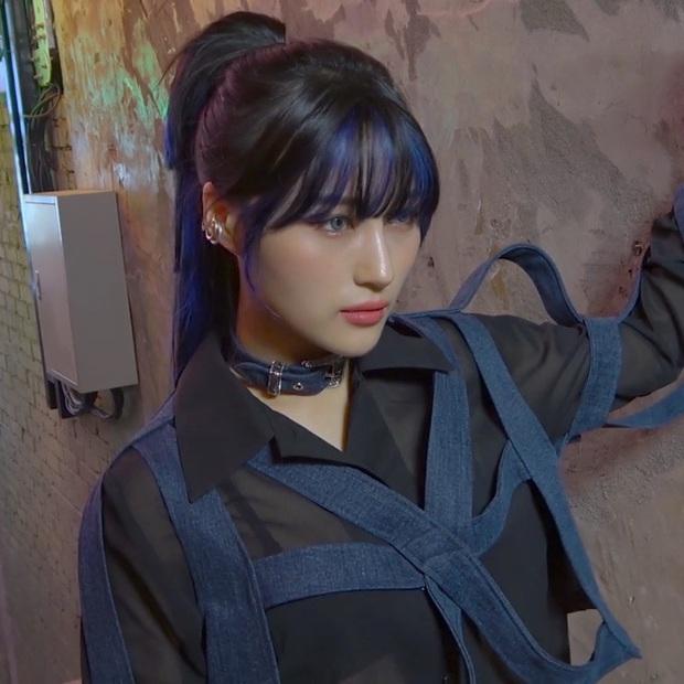 Idol như bản sao của nhân vật truyện tranh: Thư ký Kim thực chất là IU không phải Park Min Young, Jihyo giống cả chuyện tình - Ảnh 13.