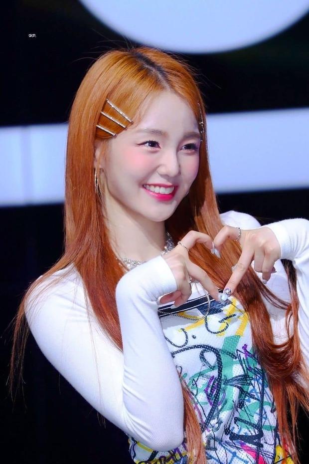 Xuất hiện nữ tân binh gây chú ý vì visual giống Irene (Red Velvet): Cũng từng là trainee SM, cân trọn hát, rap, nhảy? - Ảnh 3.