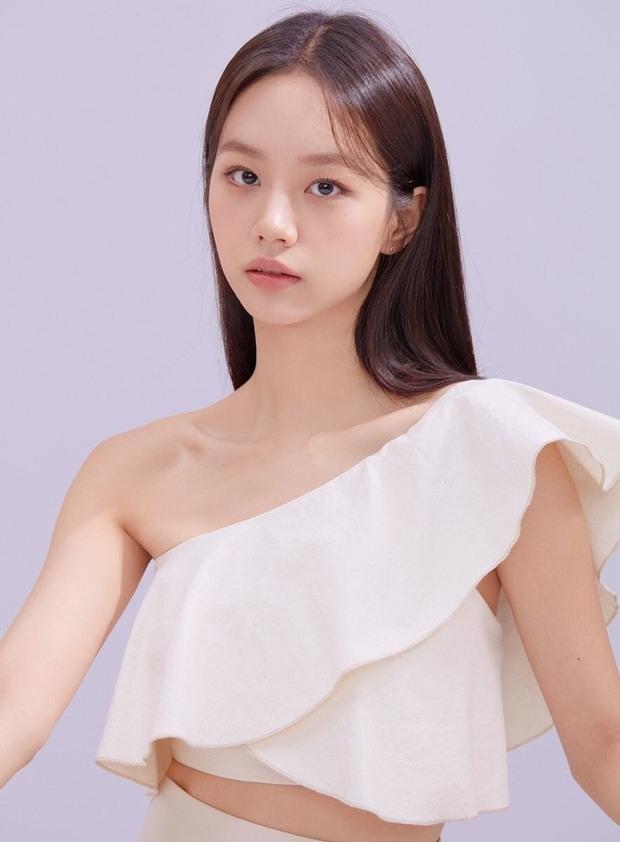 Xuất hiện nữ tân binh gây chú ý vì visual giống Irene (Red Velvet): Cũng từng là trainee SM, cân trọn hát, rap, nhảy? - Ảnh 5.