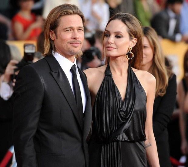 Angelina Jolie tổ chức sinh nhật tuổi 46 cùng 6 người con, cặp sinh đôi chiếm trọn spotlight của mẹ luôn rồi! - Ảnh 10.