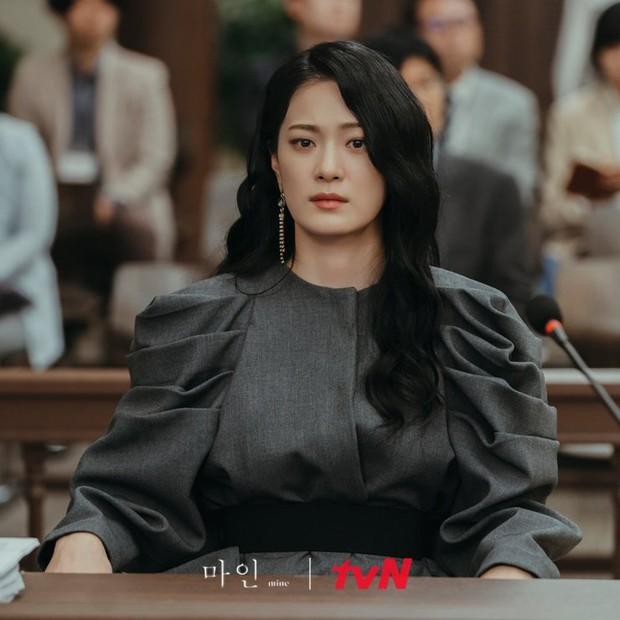 Mợ út Lee Bo Young lật mặt liên hồi ở Mine tập 10, liên minh báo thù chính thức thành lập - Ảnh 5.