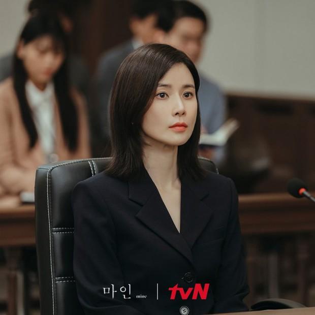 Mợ út Lee Bo Young lật mặt liên hồi ở Mine tập 10, liên minh báo thù chính thức thành lập - Ảnh 6.