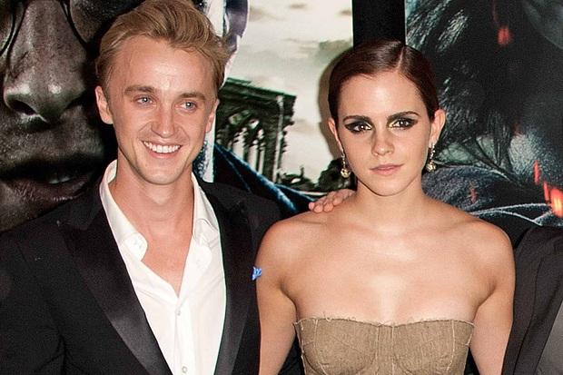 Tom Felton bất ngờ xác nhận tình cảm cho Emma Watson, hóa ra đã có nhiều hành vi mờ ám trên trường quay Harry Potter chục năm trước! - Ảnh 1.
