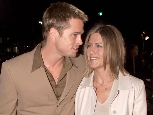 Hôn nhân đầu tiên của Brad Pitt: Tỏ tình trên thảm đỏ rồi toang vì tiểu tam Angelina, từ thù thành bạn với vợ cũ sau 15 năm - Ảnh 2.