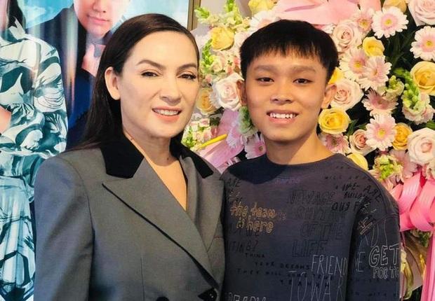 Phi Nhung từng tiết lộ Hồ Văn Cường mặc cảm khi là cái bóng của mẹ nuôi - Ảnh 3.