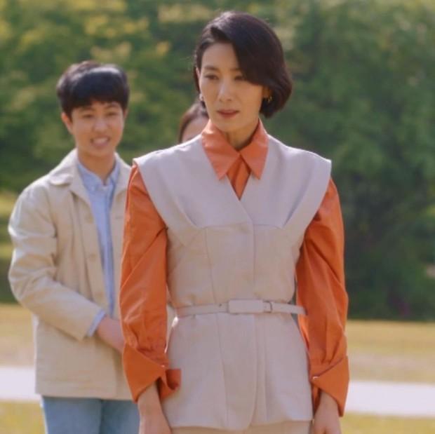 Ăn vận hay ho nhất Mine, mợ cả Kim Seo Hyung đã khuất phục những bộ cánh kén dáng thế nào? - Ảnh 7.