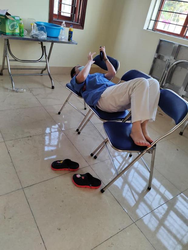 Sinh viên ĐH Y Hà Nội: Khoanh vùng dập dịch giữa đêm, làm việc tới 2h sáng lấy 10.000 mẫu xét nghiệm - Ảnh 6.