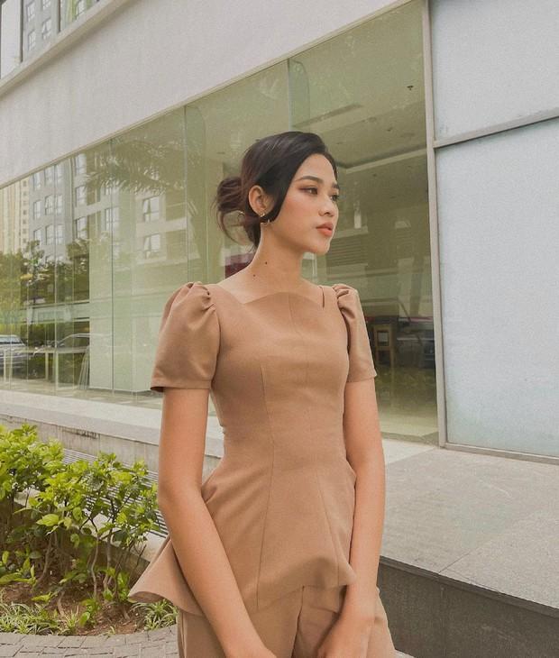 Instagram look sao Việt tuần qua: Người mẫu Tuyết Lan lên đồ bó sát khoe body căng đét, Minh Hằng mặc đẹp nhưng gương mặt lạ quá... - Ảnh 3.