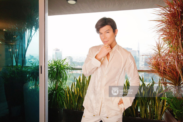 Độc quyền: Hé lộ không gian căn penthouse 300m2 sang xịn của Nathan Lee ở trung tâm TP.HCM, choáng khi lướt đến view phòng chill - Ảnh 3.