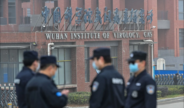 Trung Quốc tính xây hàng chục phòng thí nghiệm sinh học giữa tranh cãi nguồn gốc Covid-19 - Ảnh 1.