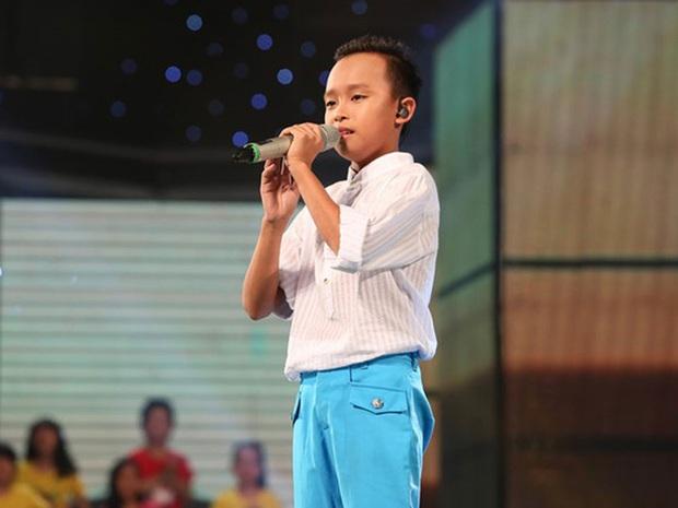 Hồ Văn Cường rũ bỏ nét chân phương, đã biết trang điểm lột xác sau khi trở thành con nuôi Phi Nhung - Ảnh 5.