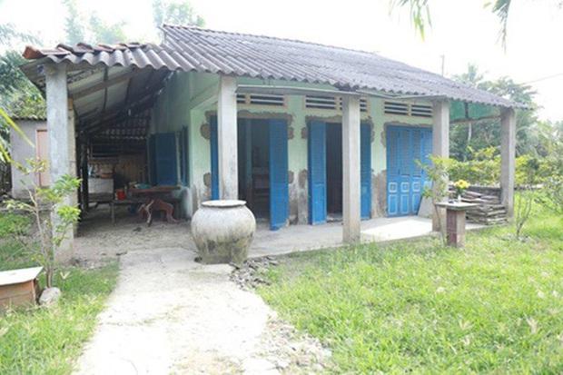 Cuộc sống của Hồ Văn Cường đã thay đổi thế nào từ khi làm con nuôi Phi Nhung, cứ nhìn căn nhà cấp 4 năm xưa là biết! - Ảnh 4.