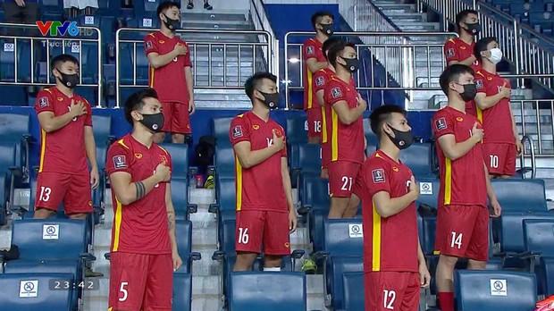 Chúng ta đã chờ đợi 18 tháng để thấy khoảnh khắc chào cờ này của dàn nam thần ĐT Việt Nam! - Ảnh 5.