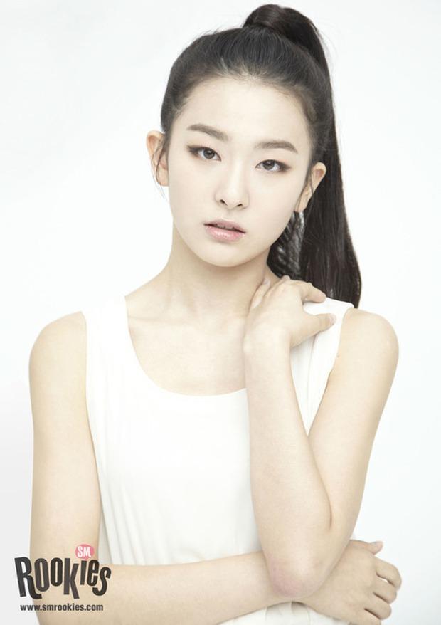 Idol được SM cho chào sân đầu tiên khi ra mắt nhóm nhạc: Yoona - Kai hot luôn vì quá đẹp, thành viên aespa gây tranh cãi lớn - Ảnh 11.