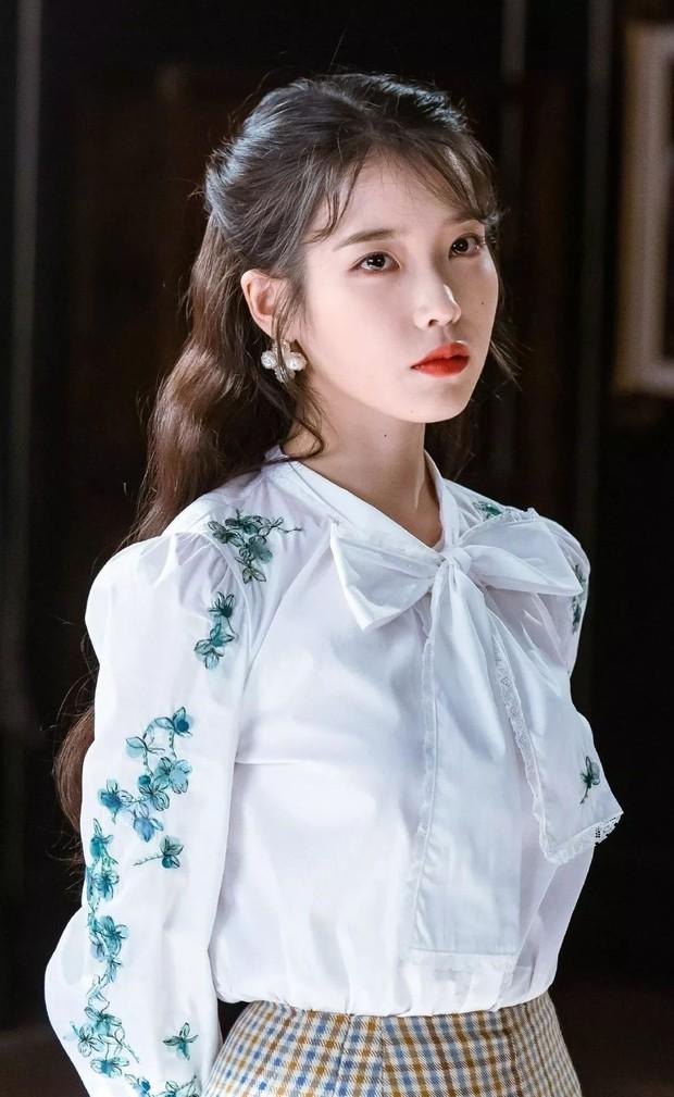 Idol như bản sao của nhân vật truyện tranh: Thư ký Kim thực chất là IU không phải Park Min Young, Jihyo giống cả chuyện tình - Ảnh 6.