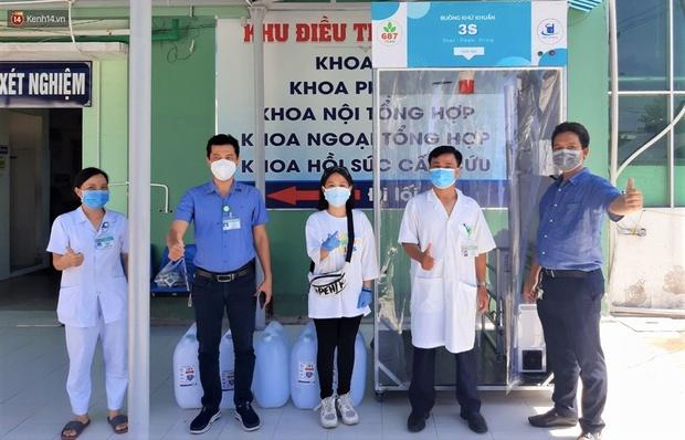Bệnh nhân 687 trả ơn tuyến đầu đã trị khỏi Covid-19 cho mình: Chế tạo gần chục máy khử khuẩn và buồng khử khuẩn tặng cho các bệnh viện - Ảnh 9.
