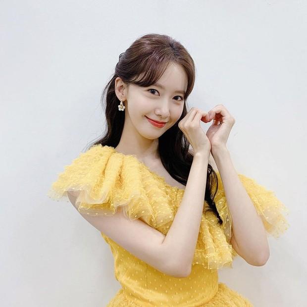 Người khác dễ bị dìm, riêng Yoona (SNSD) đẹp lộng lẫy như công chúa nhờ 1 điểm này: Bùng nổ visual nhất trên thảm đỏ Busan - Ảnh 4.