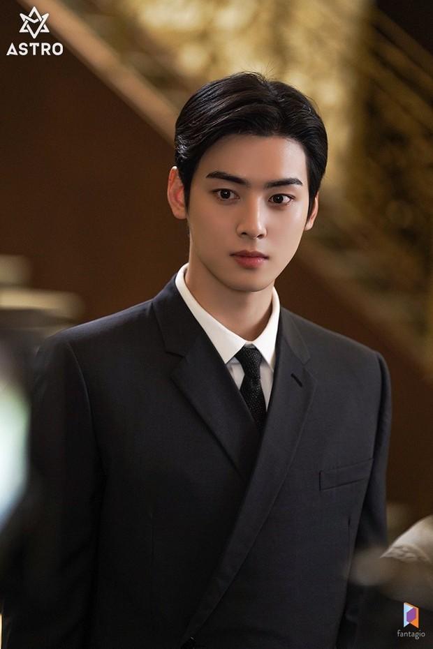 Tranh cãi BXH 7 sao nam đẹp trai nhất xứ Hàn: Gương mặt đẹp nhất thế giới V (BTS) và Sehun (EXO) cũng phải chào thua 1 nhân vật - Ảnh 2.