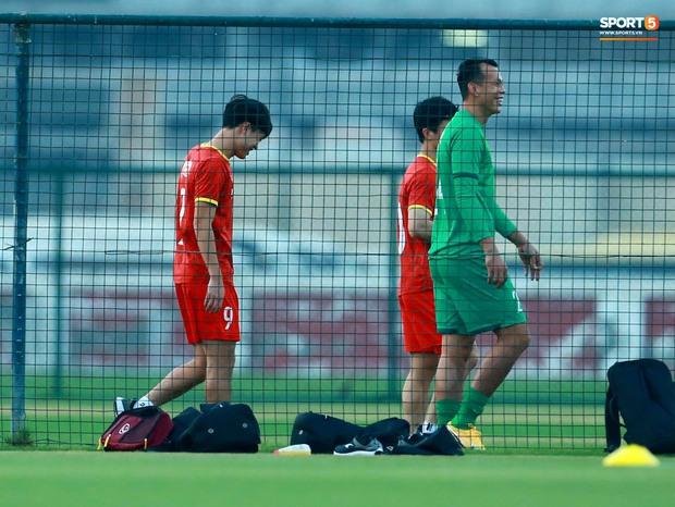 [Trực tiếp từ UAE] Buổi tập đầu tiên của tuyển Việt Nam sau trận gặp Indonesia: Tuấn Anh, Văn Toàn cùng có mặt - Ảnh 8.
