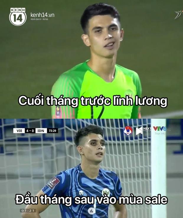 """Cả """"rổ"""" ảnh chế sau trận Việt Nam thắng Indonesia 4-0, không nhịn cười được với biểu cảm của thủ môn đội bạn - Ảnh 5."""