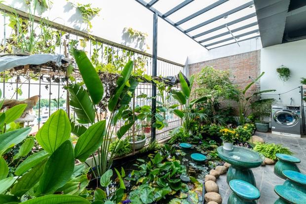 Căn nhà 5 tầng của vợ chồng Bát Tràng, thiết kế 3 ban công xanh nhưng vẫn đầu tư hẳn 400 triệu cho sân thượng 160m2 - Ảnh 23.