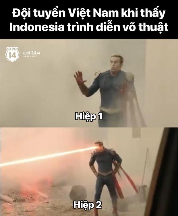 """Cả """"rổ"""" ảnh chế sau trận Việt Nam thắng Indonesia 4-0, không nhịn cười được với biểu cảm của thủ môn đội bạn - Ảnh 3."""