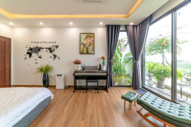 Căn nhà 5 tầng của vợ chồng Bát Tràng, thiết kế 3 ban công xanh nhưng vẫn đầu tư hẳn 400 triệu cho sân thượng 160m2 - Ảnh 11.