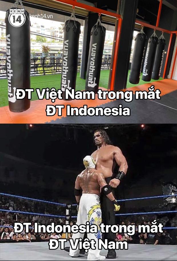 """Cả """"rổ"""" ảnh chế sau trận Việt Nam thắng Indonesia 4-0, không nhịn cười được với biểu cảm của thủ môn đội bạn - Ảnh 1."""