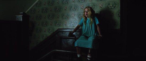 """10 cảnh ghê nhất từ vũ trụ The Conjuring: Top 1 kinh dị vẫn không phải """"chị đại"""" Annabelle? - Ảnh 2."""