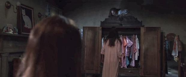 """10 cảnh ghê nhất từ vũ trụ The Conjuring: Top 1 kinh dị vẫn không phải """"chị đại"""" Annabelle? - Ảnh 9."""
