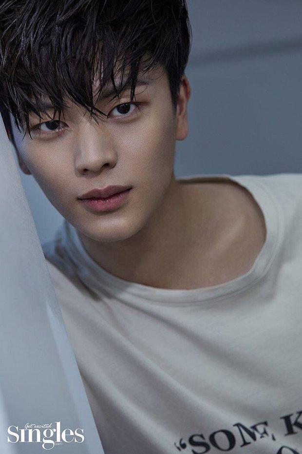 Tranh cãi BXH 7 sao nam đẹp trai nhất xứ Hàn: Gương mặt đẹp nhất thế giới V (BTS) và Sehun (EXO) cũng phải chào thua 1 nhân vật - Ảnh 19.