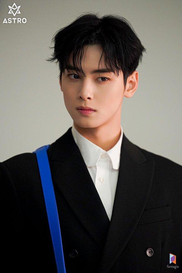 Tranh cãi BXH 7 sao nam đẹp trai nhất xứ Hàn: Gương mặt đẹp nhất thế giới V (BTS) và Sehun (EXO) cũng phải chào thua 1 nhân vật - Ảnh 3.