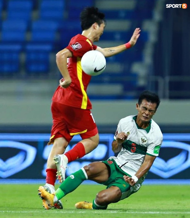 Profile cầu thủ vào bóng thô bạo khiến Tuấn Anh rời sân: Mới 19 tuổi, được HLV Shin Tae-yong cưng chiều  - Ảnh 2.