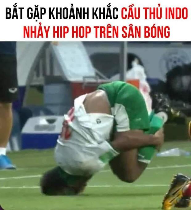 Việt Nam chốt đơn Indonesia 4-0, mạng xã hội bùng nổ loạt meme cực đỉnh, biểu cảm của Quang Hải chiếm trọn spotlight - Ảnh 1.