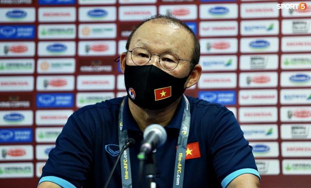 HLV Park Hang-seo yêu cầu học trò không đắm chìm trong chiến thắng, hướng đến 3 điểm tiếp theo - Ảnh 1.