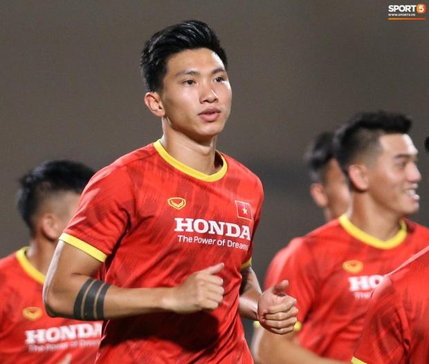Top 5 cầu thủ Việt có lượng người theo dõi khủng nhất trên Facebook, cái tên mlem mlem Đoàn Văn Hậu xếp thứ mấy? - Ảnh 9.
