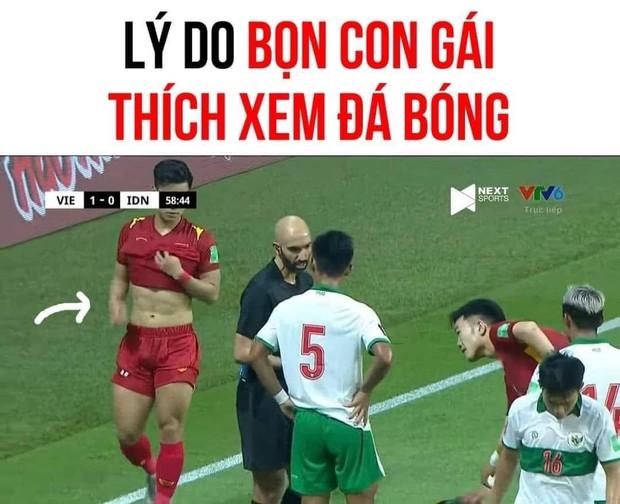 Việt Nam chốt đơn Indonesia 4-0, mạng xã hội bùng nổ loạt meme cực đỉnh, biểu cảm của Quang Hải chiếm trọn spotlight - Ảnh 2.