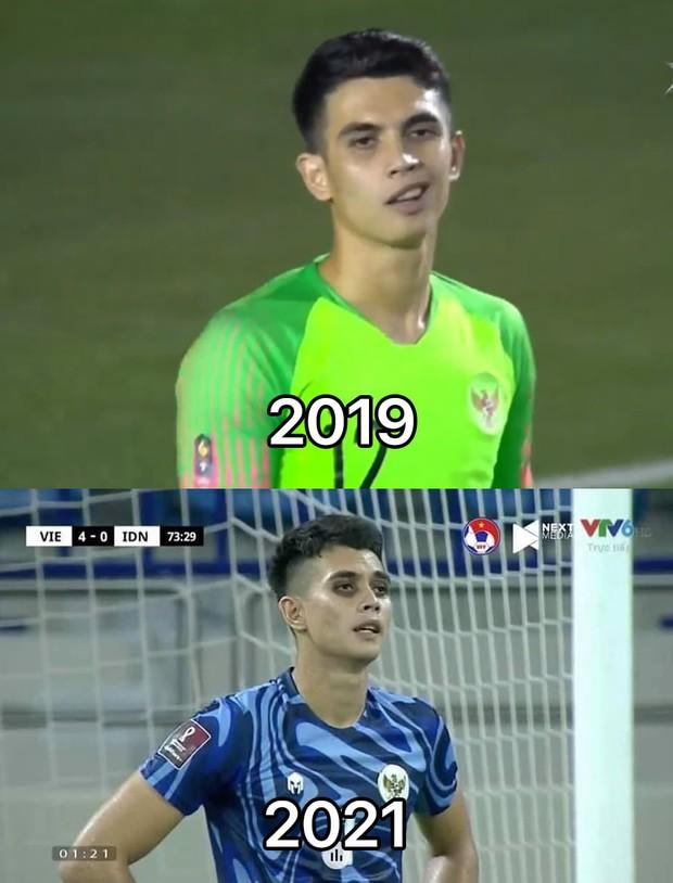 """Cả """"rổ"""" ảnh chế sau trận Việt Nam thắng Indonesia 4-0, không nhịn cười được với biểu cảm của thủ môn đội bạn - Ảnh 17."""