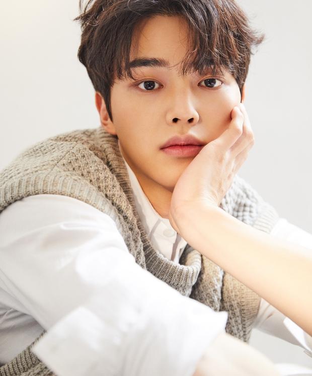 Tranh cãi BXH 7 sao nam đẹp trai nhất xứ Hàn: Gương mặt đẹp nhất thế giới V (BTS) và Sehun (EXO) cũng phải chào thua 1 nhân vật - Ảnh 15.