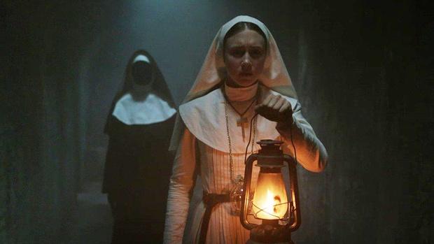 Từ búp bê Annabelle, quỷ Valak đến sát nhân tâm thần, đâu mới là phần phim hay nhất trong vũ trụ The Conjuring? - Ảnh 2.