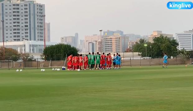 [Trực tiếp từ UAE] Buổi tập đầu tiên của tuyển Việt Nam sau trận gặp Indonesia: Tuấn Anh, Văn Toàn cùng có mặt - Ảnh 9.