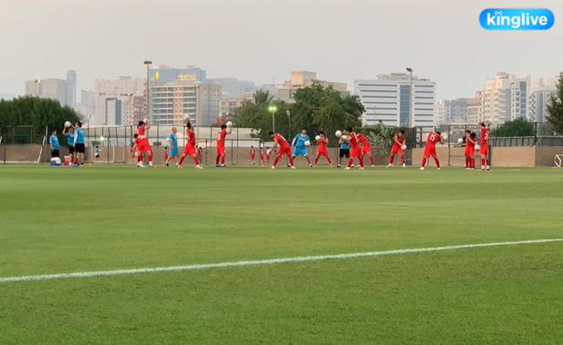 [Trực tiếp từ UAE] Buổi tập đầu tiên của tuyển Việt Nam sau trận gặp Indonesia: Tuấn Anh, Văn Toàn cùng có mặt - Ảnh 7.