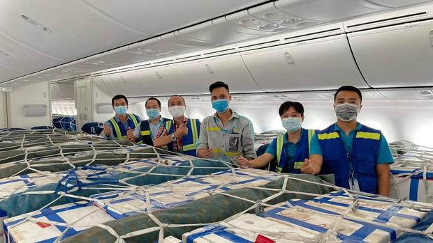 Bố trí riêng một siêu máy bay chở 40 tấn vải thiều Bắc Giang đi TP.HCM - Ảnh 5.