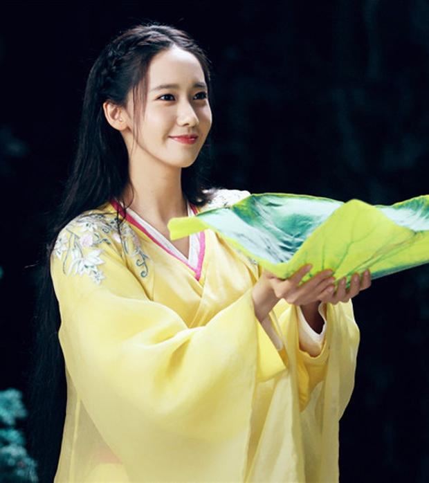 Người khác dễ bị dìm, riêng Yoona (SNSD) đẹp lộng lẫy như công chúa nhờ 1 điểm này: Bùng nổ visual nhất trên thảm đỏ Busan - Ảnh 10.