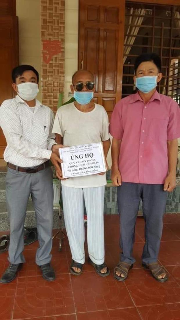 Cụ ông 97 tuổi ở Hà Tĩnh trích một khoản tiền dành dụm cuối đời để ủng hộ quỹ vaccine phòng Covid-19 - Ảnh 1.