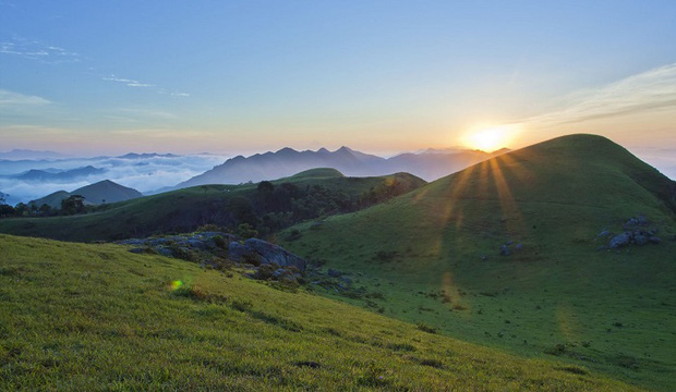 Hết dịch về Bắc Giang chơi: Có hẳn một nơi cắm trại, săn mây, ngắm hoàng hôn đỉnh thế này cơ mà! - Ảnh 3.