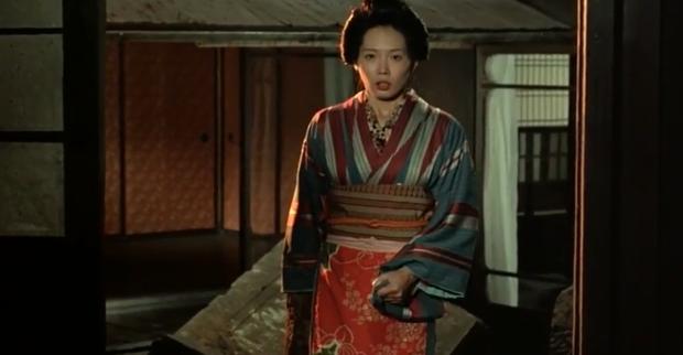 Cảnh nóng thật 100% hại đời nữ chính xứ Nhật: Bị cả nước tẩy chay đến bỏ xứ rồi qua đời, số phận nam chính gây tranh cãi - Ảnh 7.