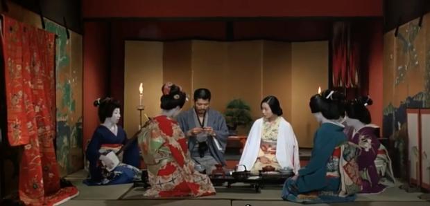 Cảnh nóng thật 100% hại đời nữ chính xứ Nhật: Bị cả nước tẩy chay đến bỏ xứ rồi qua đời, số phận nam chính gây tranh cãi - Ảnh 8.